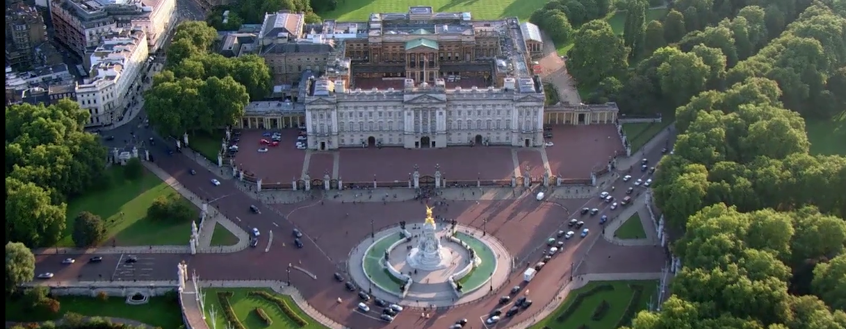 10 most expensive house in the world and interesting facts about them for Does buckingham palace have a swimming pool